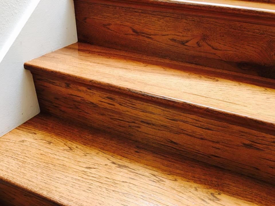 BURBANK HICKORY STAIRCASE