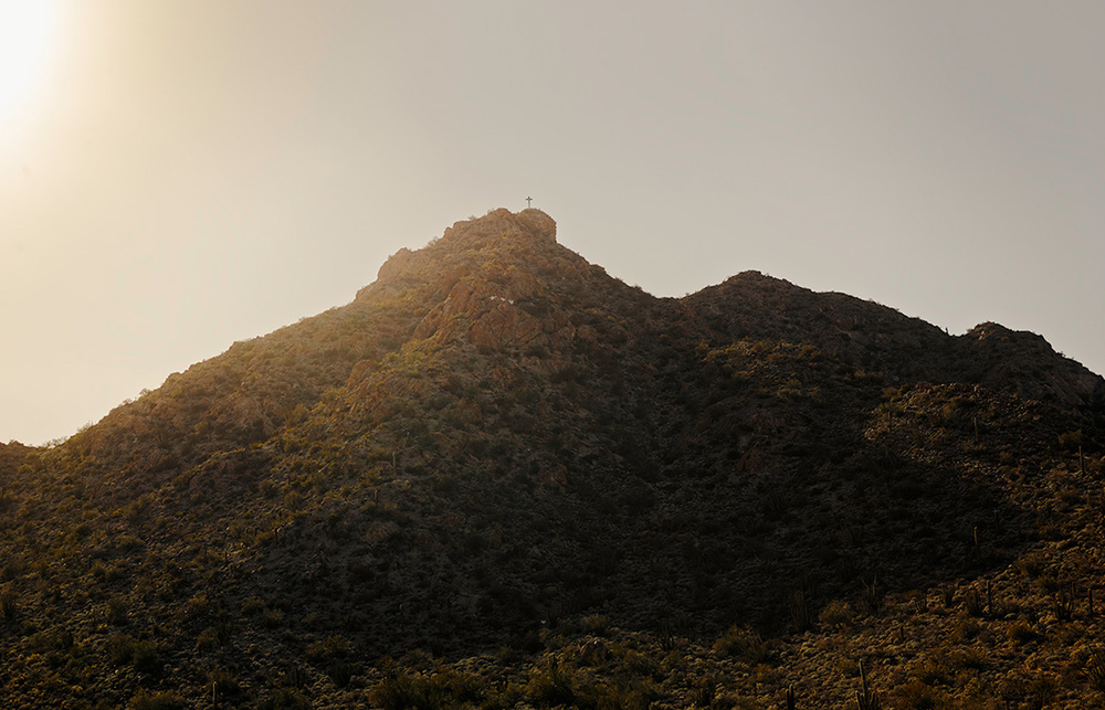 Hill top cross above Ajo, 2013