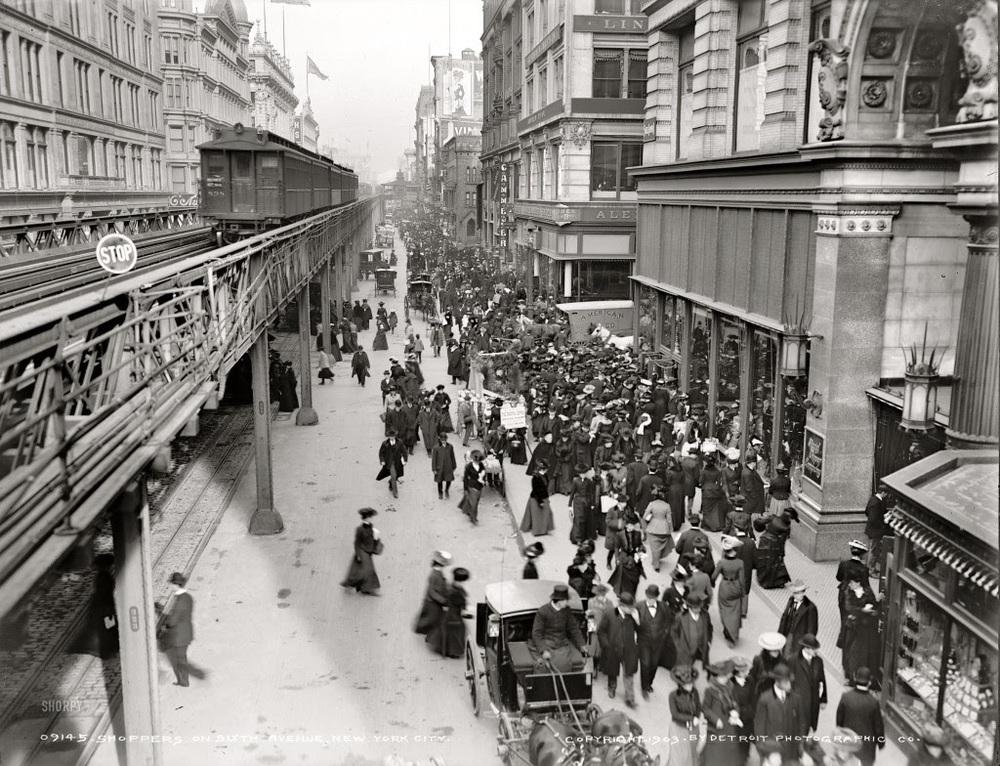 Circa-1903-Shoppers-on-Sixth-Avenue-New-York-City-1024x784.jpg