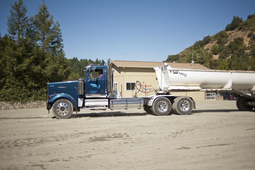 End Dump Truck >> Trucking Kadon Trucking Inc