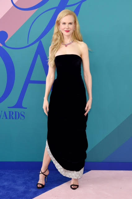 Nicole Kidman wearing Oscar De La Renta and Giuseppe Zanotti shoes.
