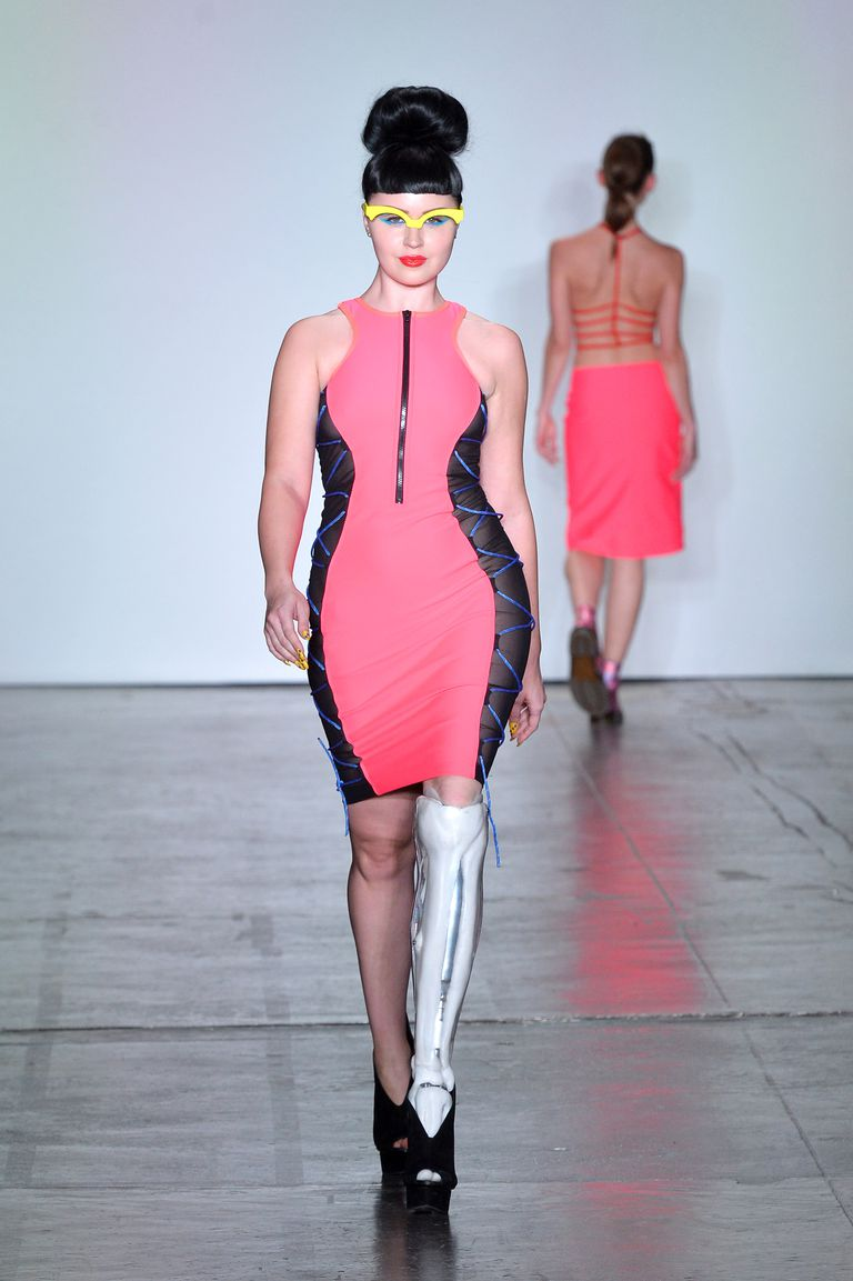 Also joining in as a model was Viktoria Modesta, an amputee singer-songwriter who wore a prosthetic leg to walk the show.