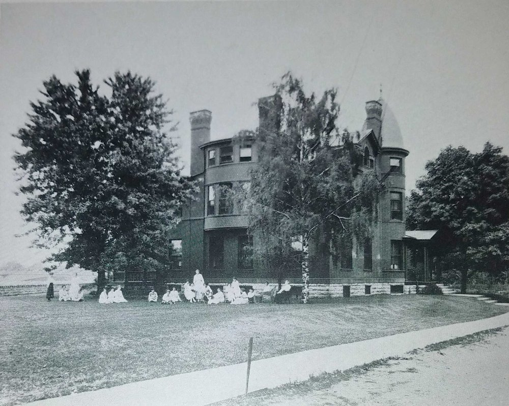 Young Woman's League dormitory for working women located on West First Street. Photo courtesy of Wright State University Special Collections and Archives.
