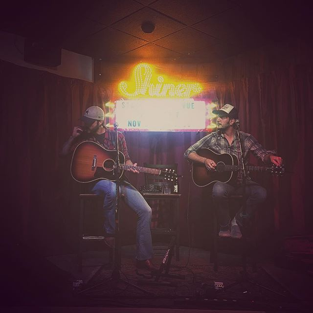 kickin off a week of family + blessins w/ an #acoustic show @bullnettle #stephenvilletx #texasmusic