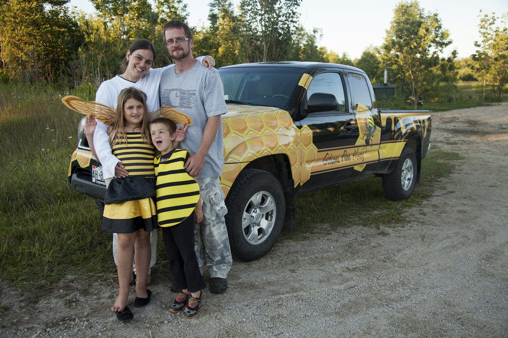 The_Gibson_Bee_Family_29.jpg
