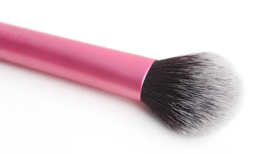 real-techniques-multi-task-brush-review-photos-blush.jpg