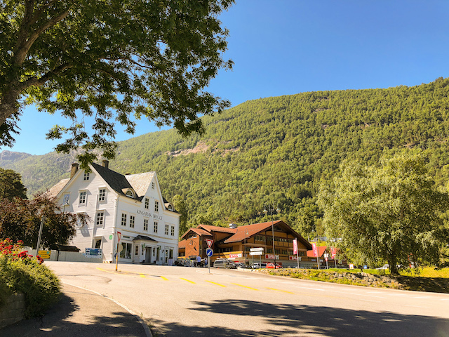 The tourist office in Kinsarvik, at the beginning of the hike.