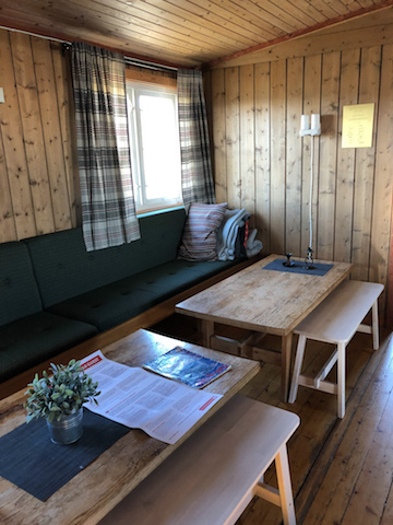 Inside of the Tyssavasbu mountain hut.