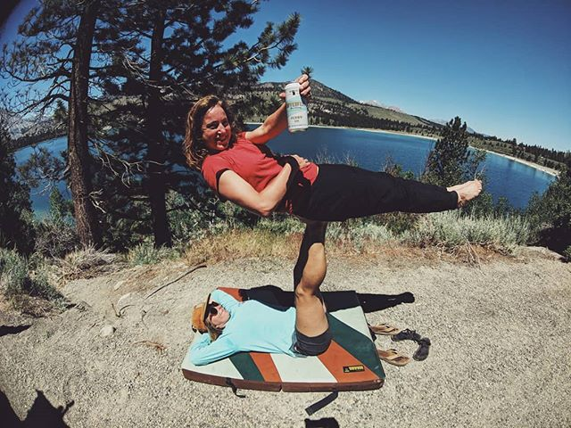 Cheers to ending June @ June lake!! Thanks @sufferfestbeer  for providing delicious libations for our fun days!!! Don't let your weekend flyby enjoy some sun friends and fun.  #acroyoga #sufferfestbeer #funhogging #junelake #cheers #flyby #worklifebalancerepeat