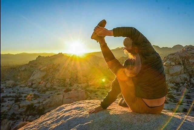Hooray the sun is back and it's yoga day @patagoniapasadena. Time to breathe fresh air and move your body. Roll out your mat and #simplypractice 7.15-8.15p. #sundial #layoga #free 🙏 @patagonia 📸@staywildnevermild