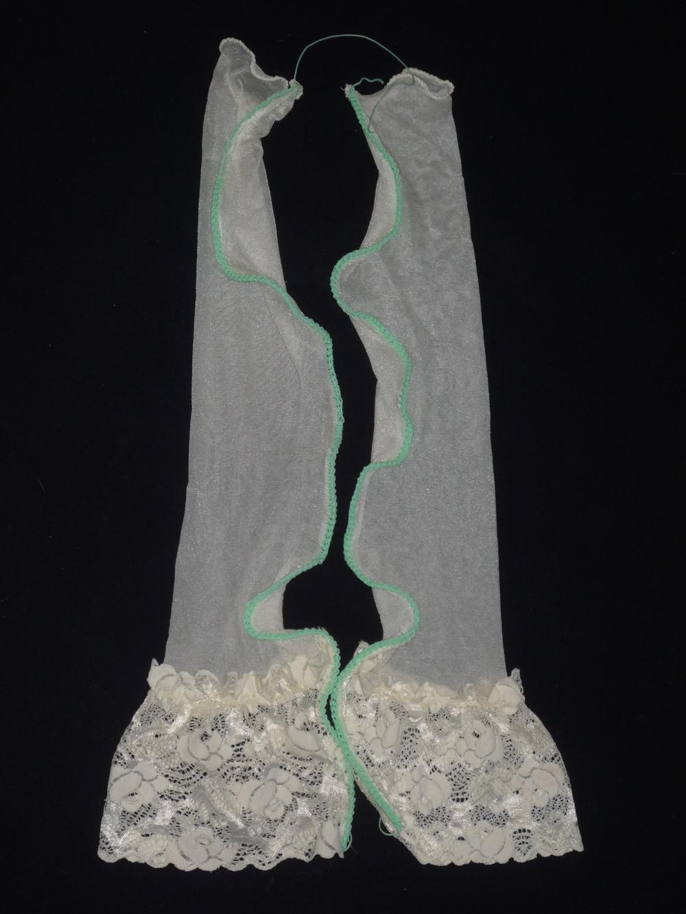 Hoffnung , Nylons, Maurerschnur, gestrickt, 120x43x3 cm