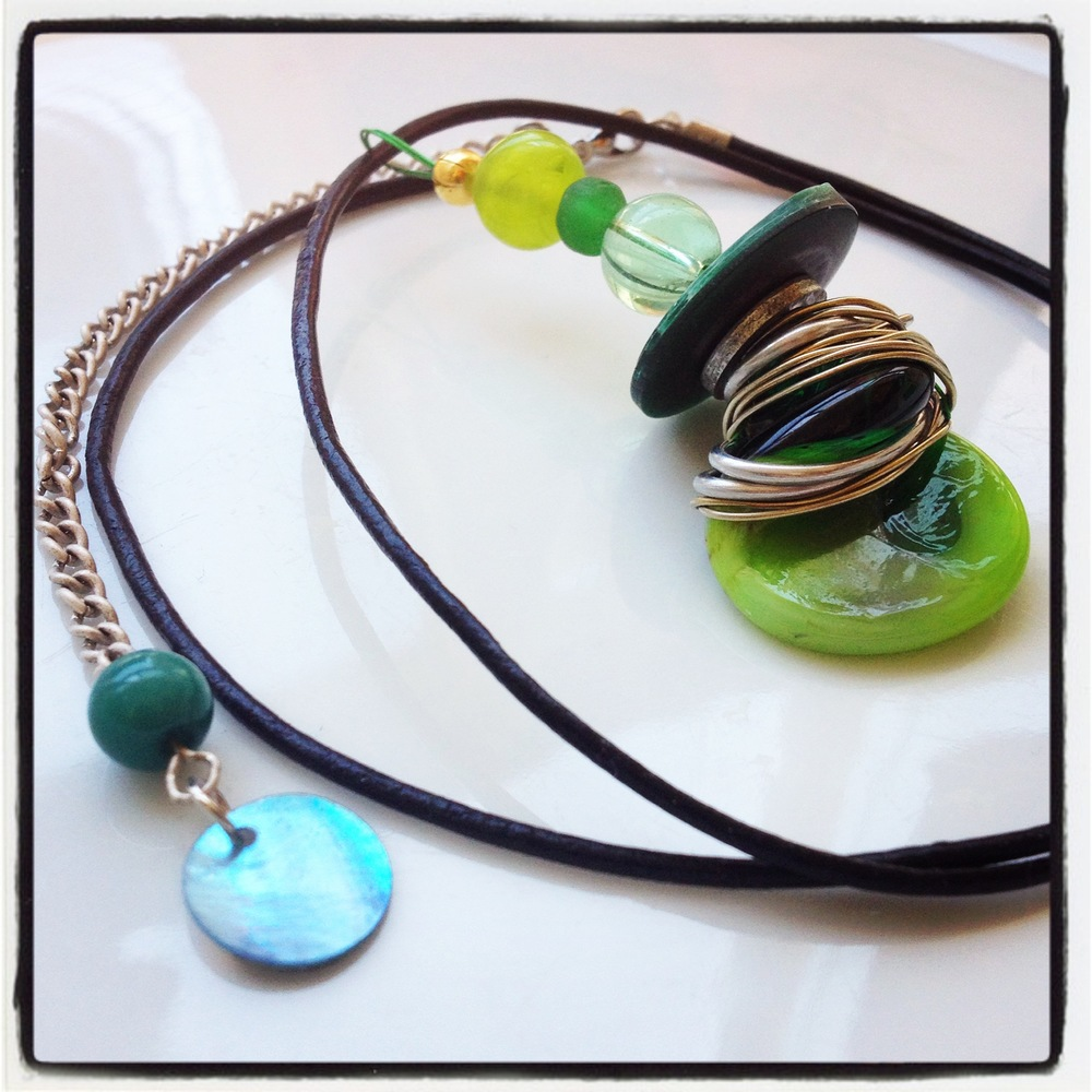 "Necklace ""Frog""_Glassbead Collection"