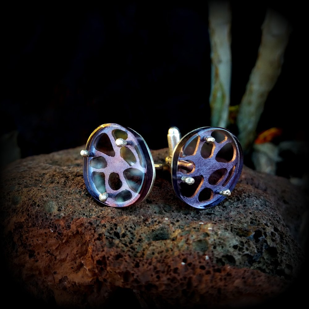 "Cufflinks ""Shelleton"""