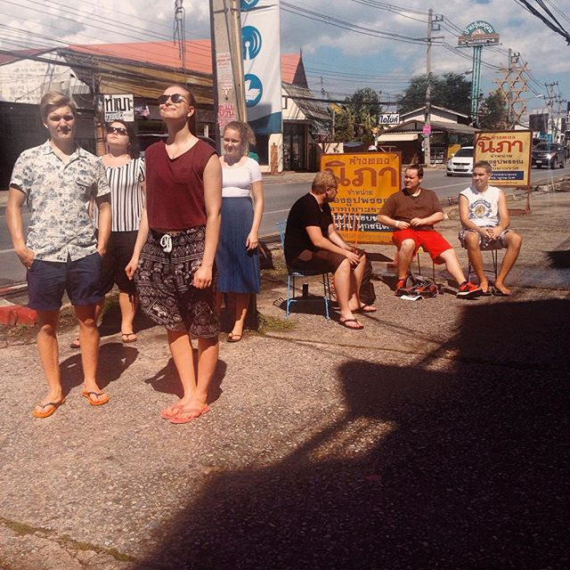 Thaimaa on hellinyt lämmöllä ja auringolla 😎 followlaiset ovat mieluummin auringossa kuin varjossa ja sen kyllä huomaa! 🌴 #followisokirja #follow2015 #thaimaa #rivercafe