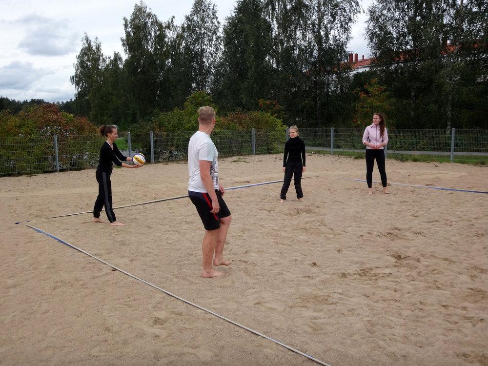 Tommin treeneissä oli yhtenä aurinkoisena päivänä beachiä.