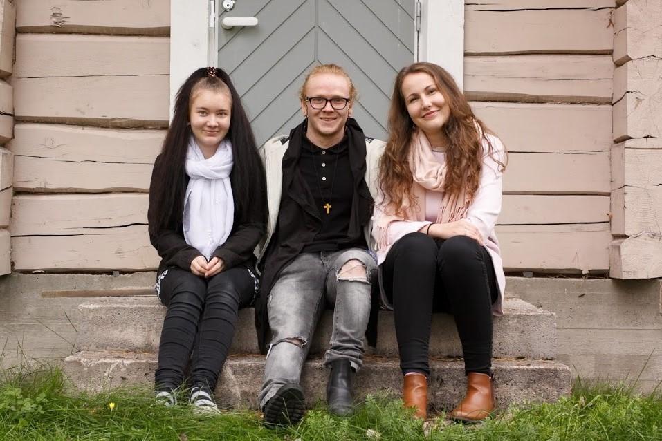 Sanna, Toni & Marika.