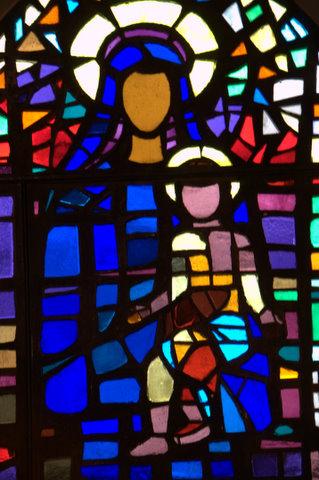 Glasmosaik med Jomfru Maria i Sankt Andreas Kirke.