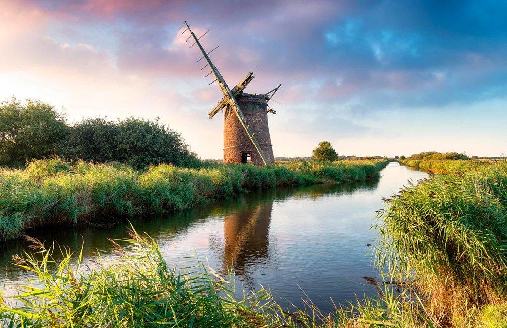 Brograve Windmill on the Broads, Norfolk  (Helen Hotson/Shutterstock)