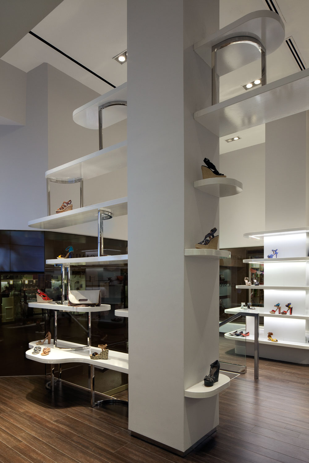 Vince Camuto store design GCT New York