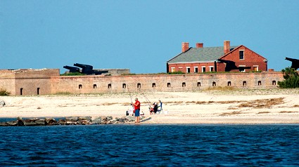 flounder_fishing_fort_clinch_2.jpg