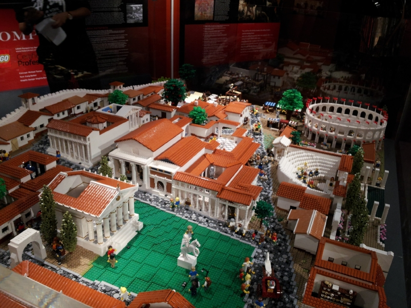 Lego Pompeii  By Elliotfoo (Own work) [CC BY-SA 4.0 (http://creativecommons.org/licenses/by-sa/4.0)], via Wikimedia Commons