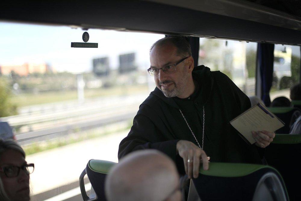 Pilgrimage_Rome_2999_bus.jpg