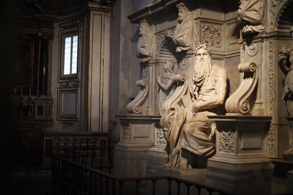 Pilgrimage_Rome_3125_Chains.jpg