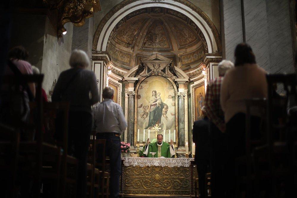 Pilgrimage_Rome_3171_Chains.jpg