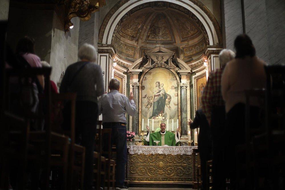 Pilgrimage_Rome_3173_Chains.jpg