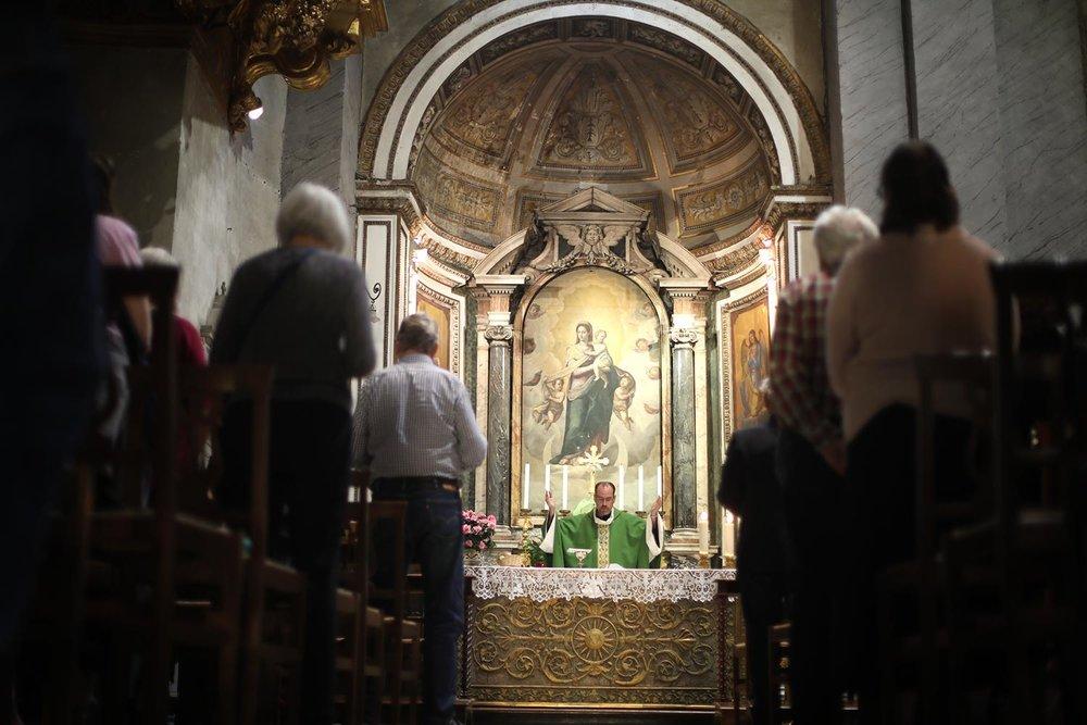 Pilgrimage_Rome_3174_Chains.jpg