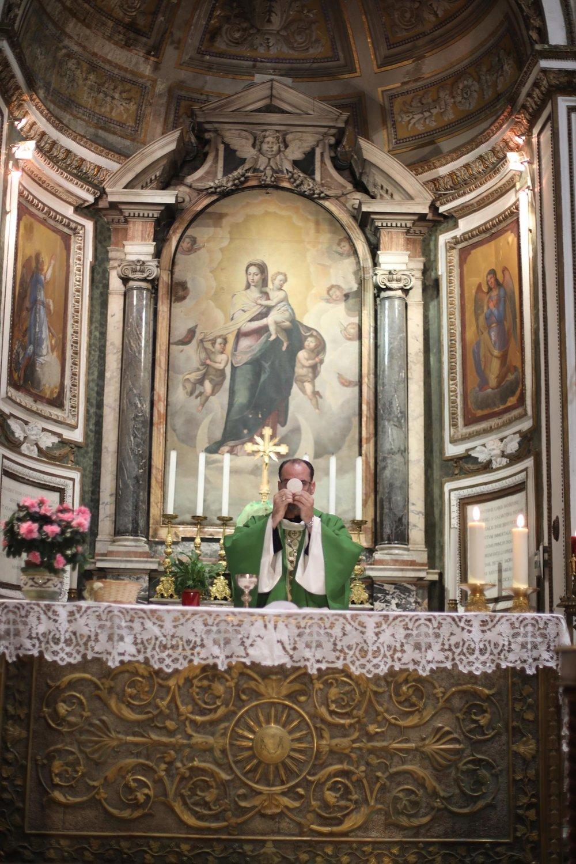 Pilgrimage_Rome_3177_Chains.jpg