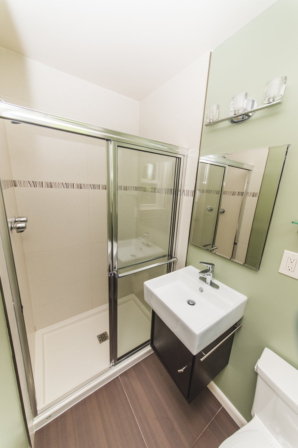 Claudia Silver Spring two Bathrooms-3.jpg