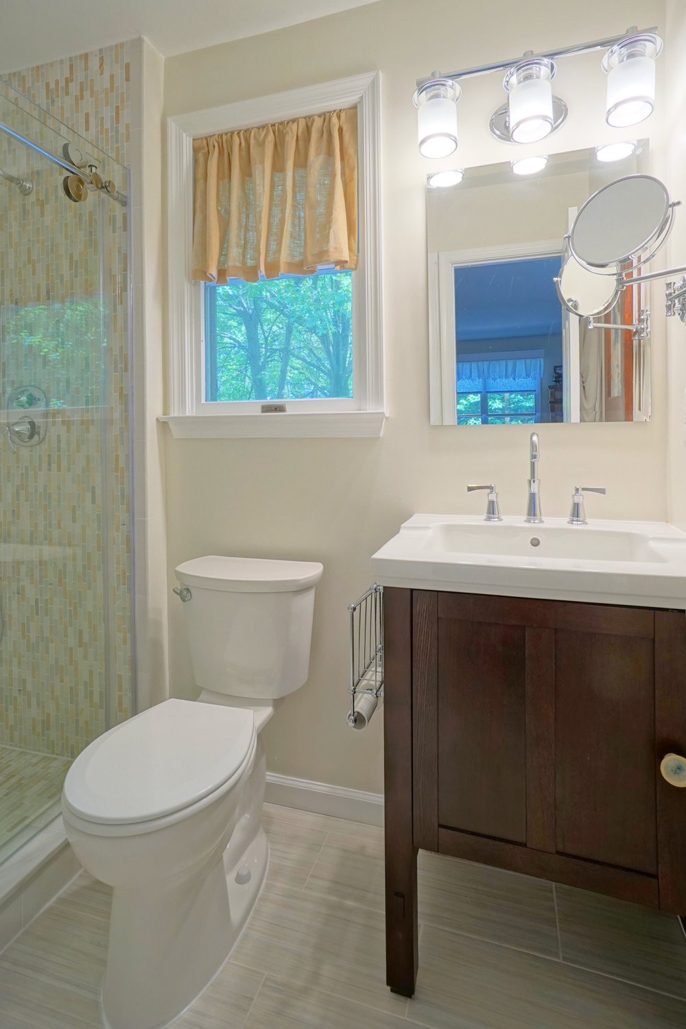 Small bathroom Remodel Elicott City MD1.JPG
