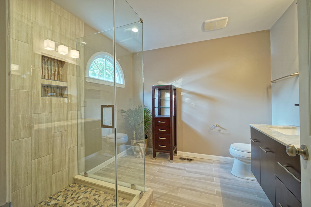 Bathroom remodel Crofton MD 25.JPG