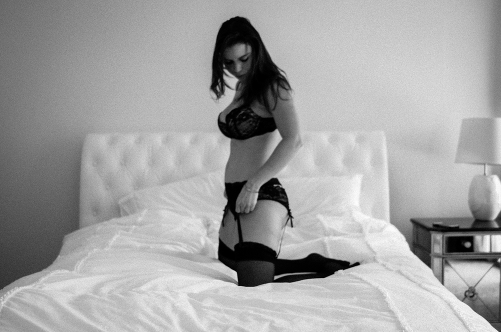 las vegas lifestyle boudoir, boudoir, las vegas photographer, black and white, beautiful woman