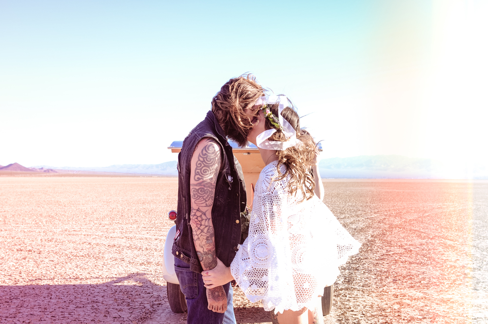 smoke bomb elopement, elopement, elope, flora pop elopement, biker wedding, desert wedding, las vegas wedding, las vegas elopement, smoke bomb desert, desert, las vegas
