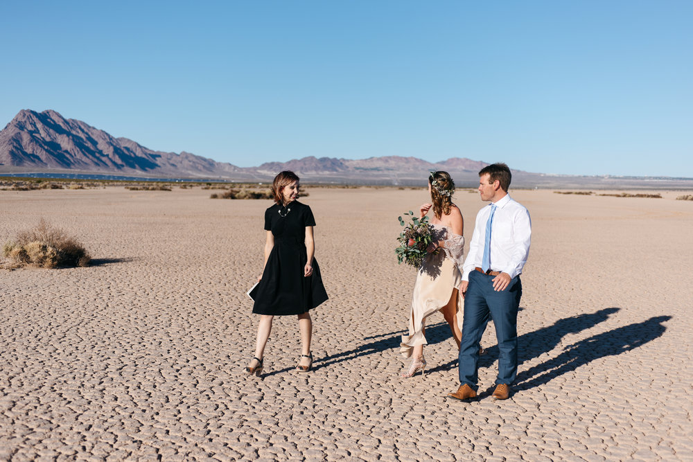 pop up wedding elopement photography las vegas wedding photography ashley marie meyrs-10 copy.jpg