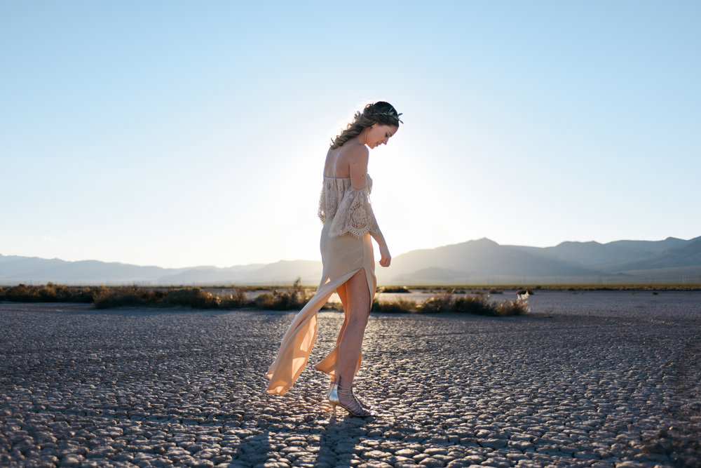 pop up wedding elopement photography las vegas wedding photography ashley marie meyrs-183 copy.jpg