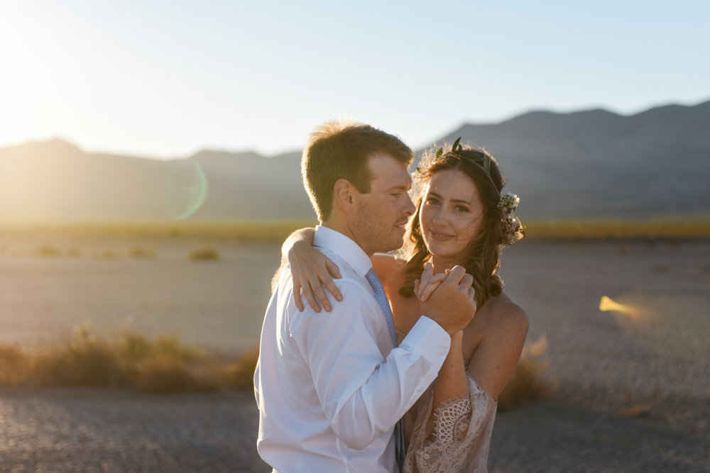 pop up wedding elopement photography las vegas wedding photography ashley marie meyrs-206 copy.jpg