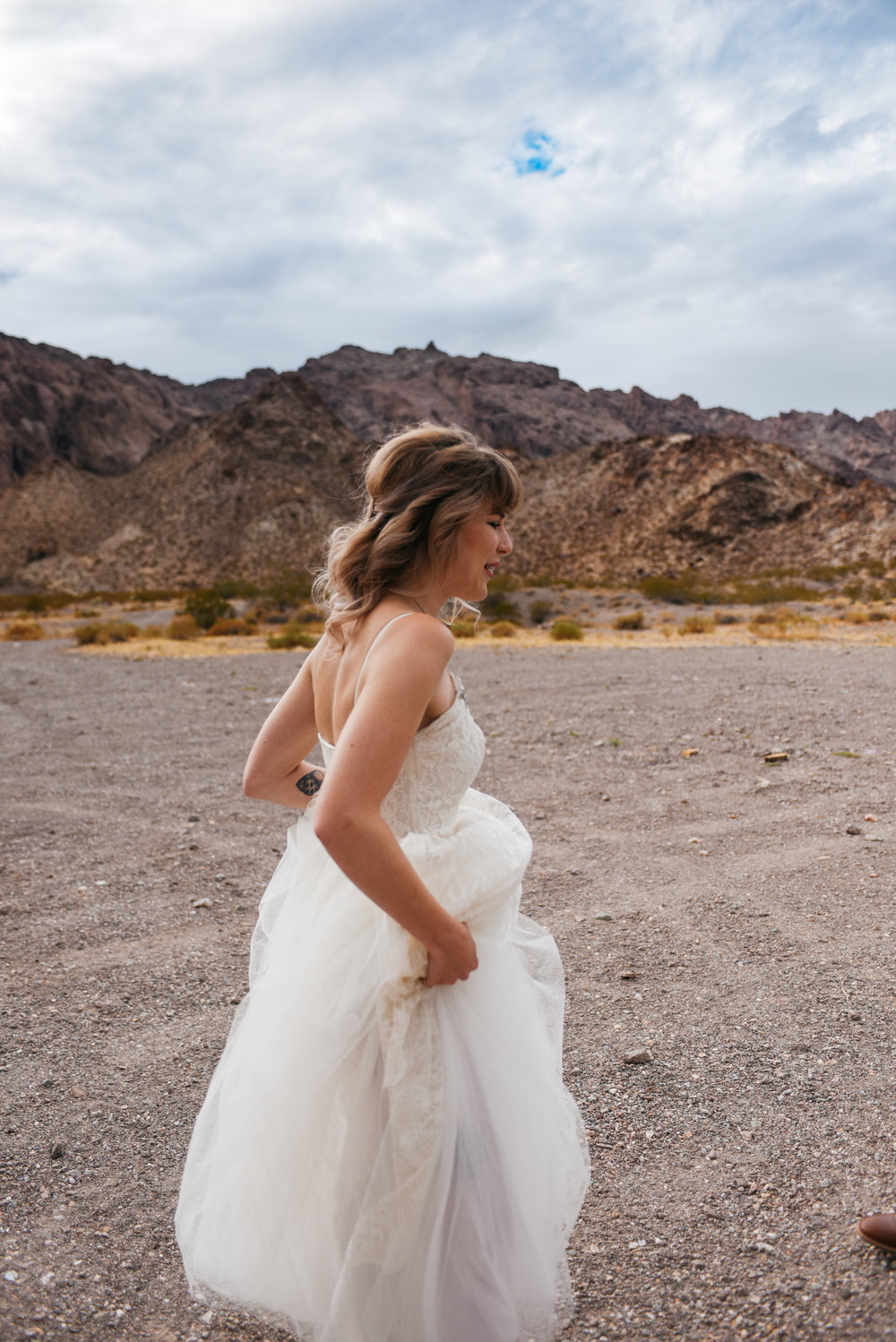 Las Vegas elopement flora pop desert wedding Photography By Ashley Marie-2.jpg