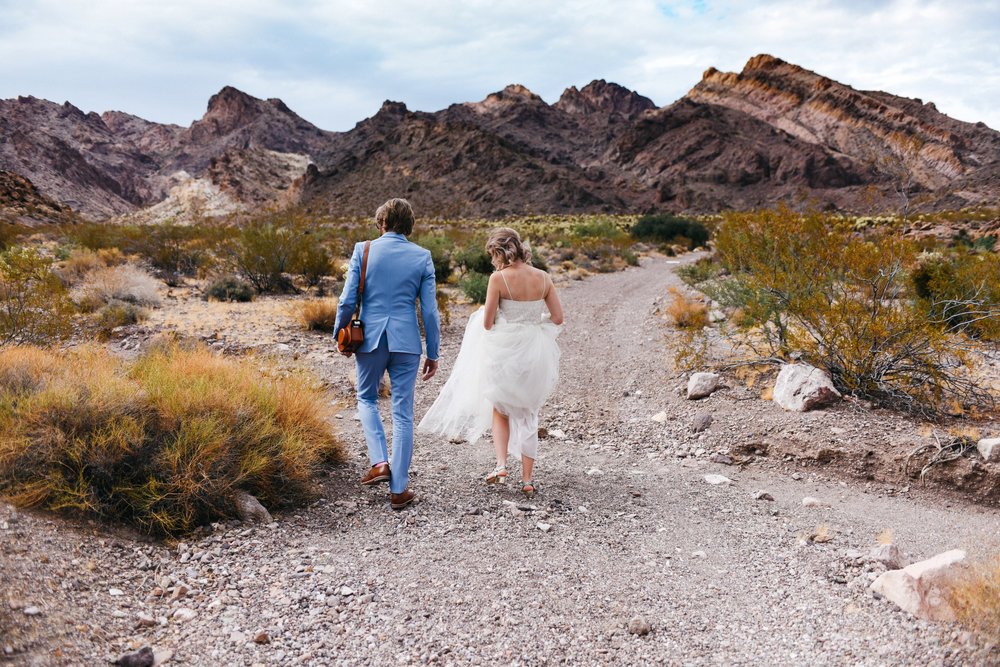 Las Vegas elopement flora pop desert wedding Photography By Ashley Marie-5.jpg