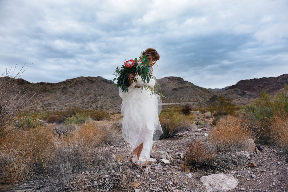 Las Vegas elopement flora pop desert wedding Photography By Ashley Marie-16.jpg