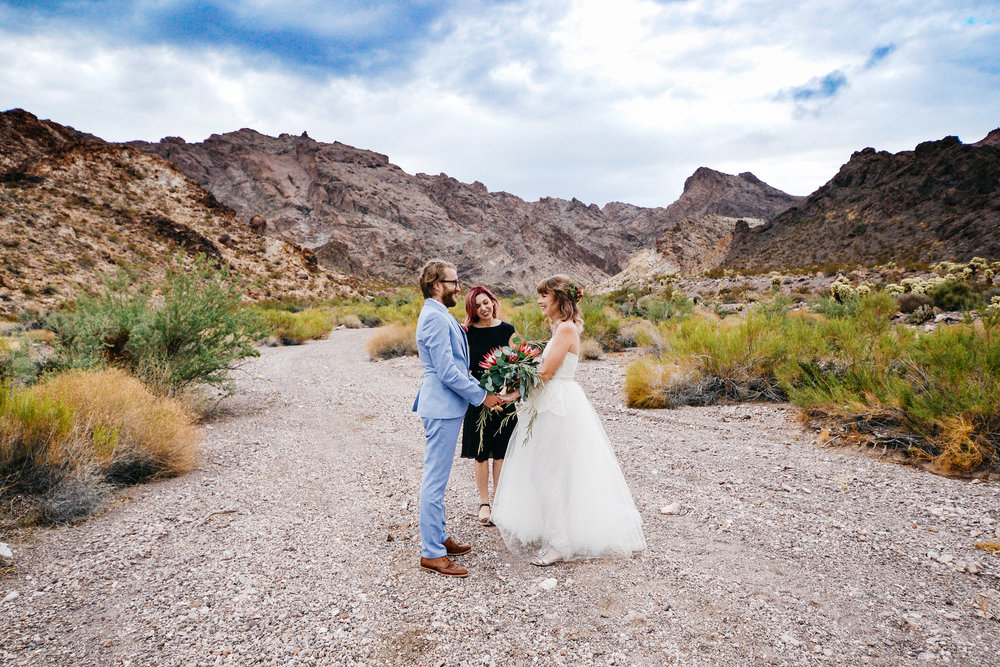 Las Vegas elopement flora pop desert wedding Photography By Ashley Marie-23.jpg