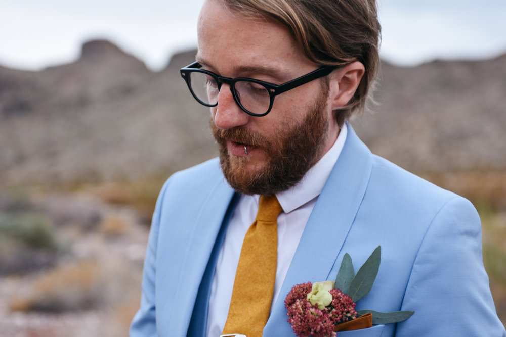 Las Vegas elopement flora pop desert wedding Photography By Ashley Marie-25.jpg