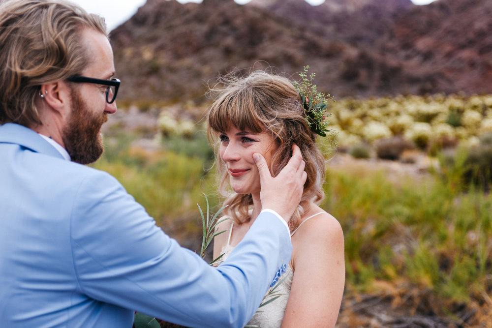 Las Vegas elopement flora pop desert wedding Photography By Ashley Marie-28.jpg