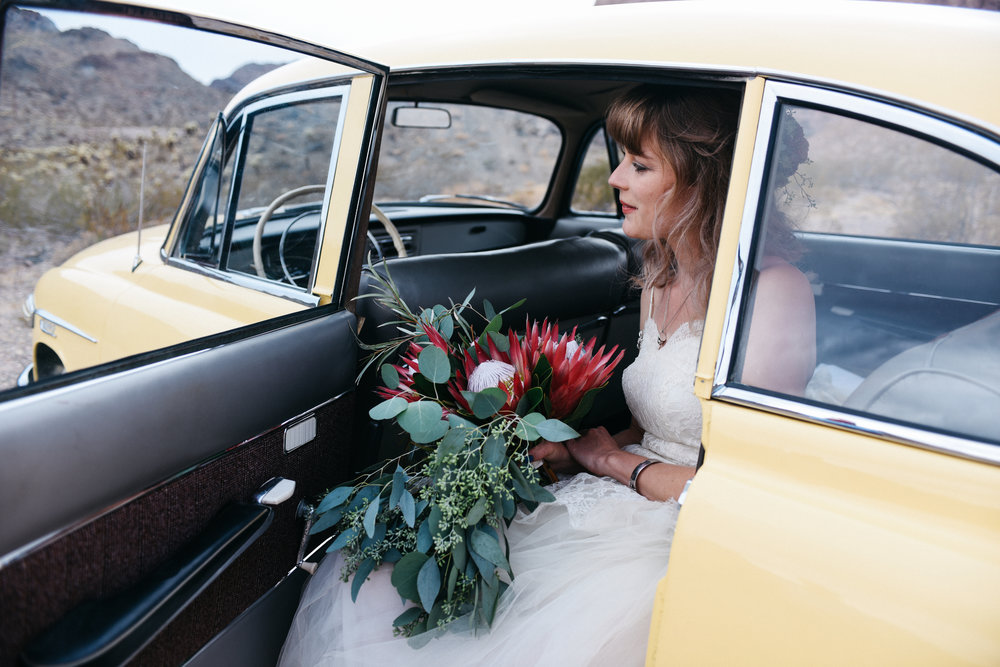 Las Vegas elopement flora pop desert wedding Photography By Ashley Marie-50.jpg