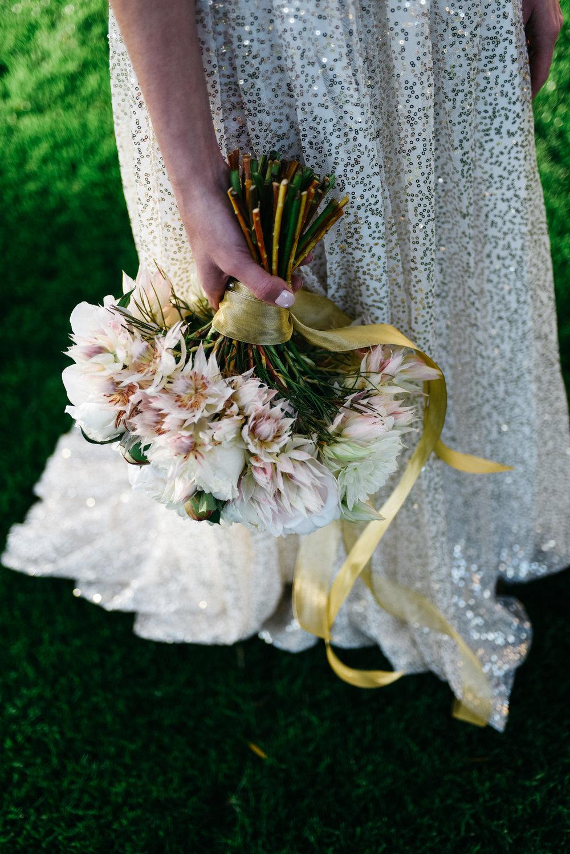 Wedding Dress, Wedding bouquet, flowers,Las Vegas Country Club Wedding, Golf course wedding, Las Vegas Wedding, Lifestyle Photography, Sunset wedding, Fall wedding, Flora Pop Wedding,