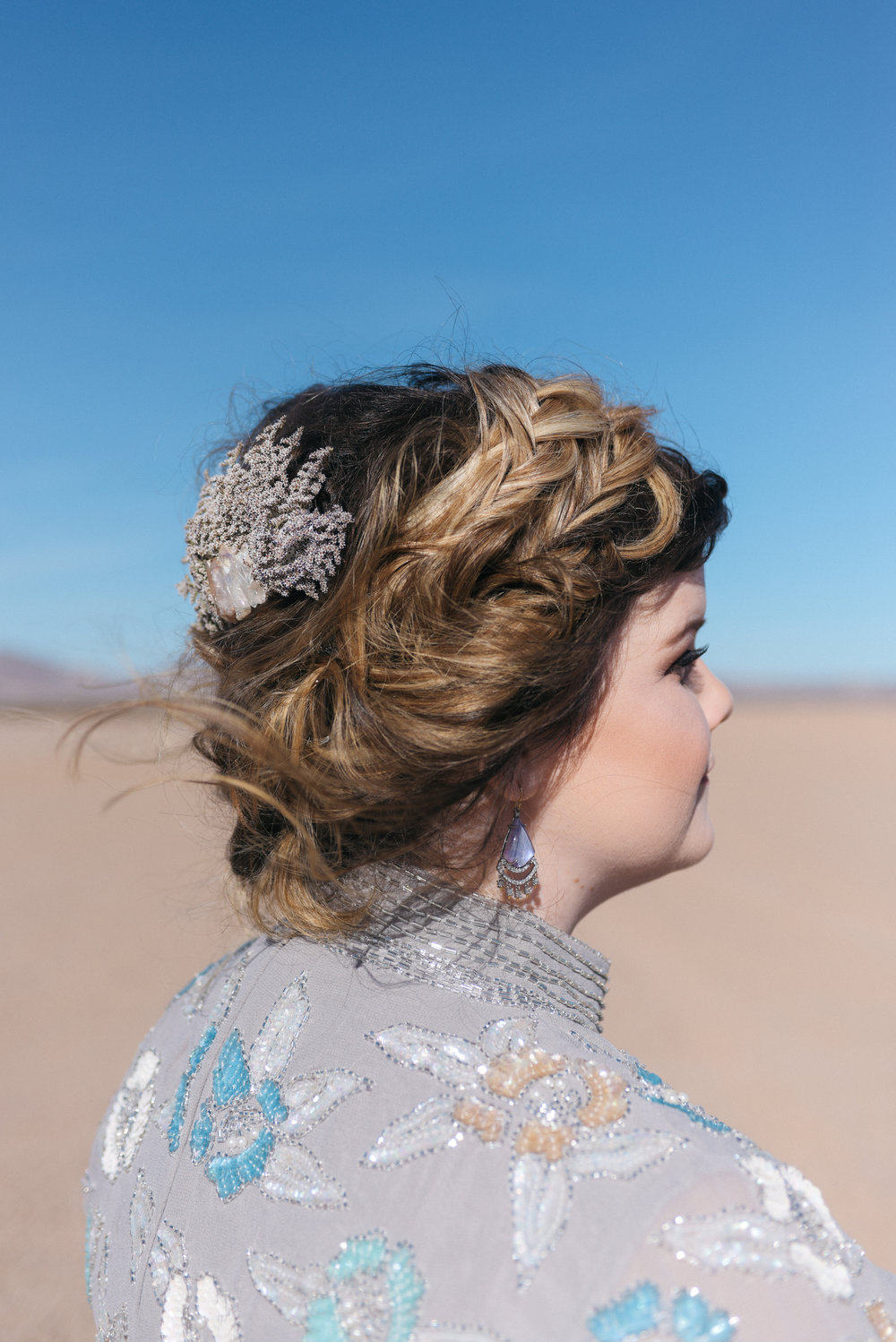 las vegas wedding, Elvis wedding, wedding las vegas, vintage wedding, vintage bride style, bridal style, fur wedding dress, vintage fur, desert wedding,