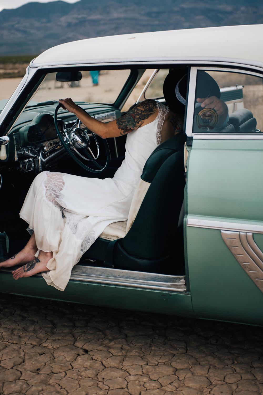 rock'n roll bride, las vegas elopement, bride and groom, tattoo bride, las vegas wedding, lifestyle photography, lifestyle wedding, desert elopement, las vegas, elopement, wedding, las vegas downtown wedding, alternative bride, off beat bride