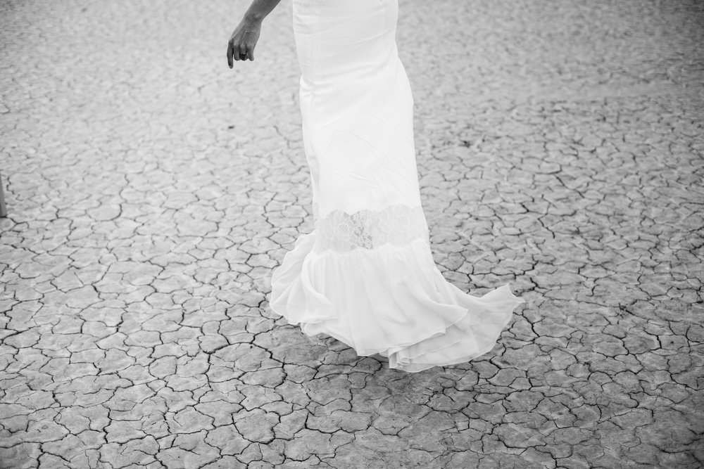dry lake bed elopement peachy keen unions las vegas wedding tattoo shop photography by ashley marie-12 copy.jpg